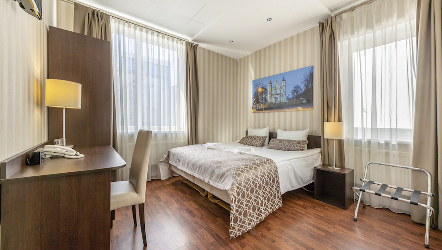 Standard rooms, 19m² in size. Best price vs. value with free toiletries, Wi-Fi, parking and Buffet breakfast in most cases